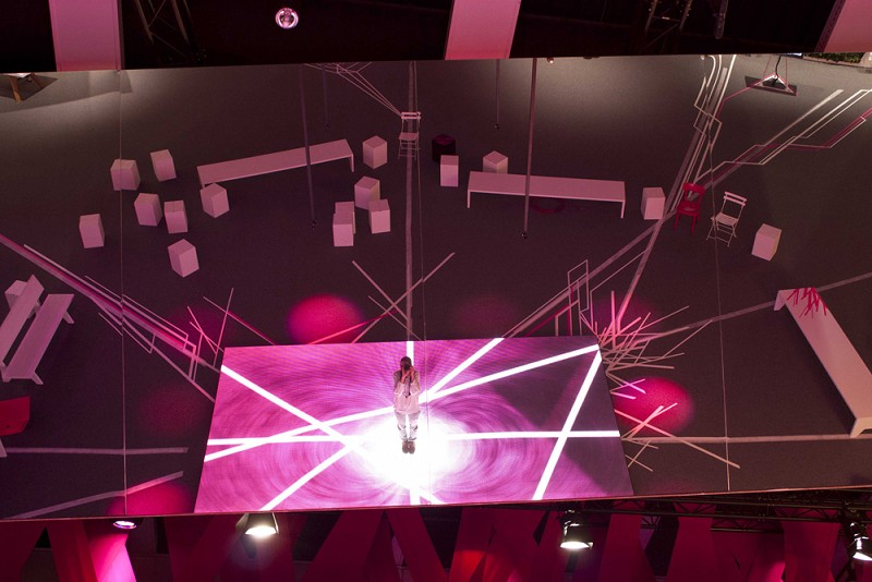 TAPE-ART-by-TAPE-OVER_Telekom_IFA_stage-design