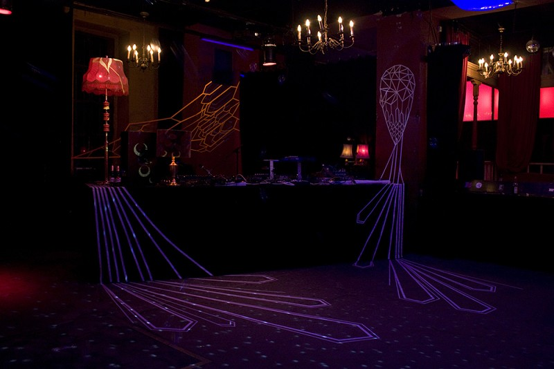 TAPE-ART-by-TAPE-OVER_ritter-butzke-club_stage-design