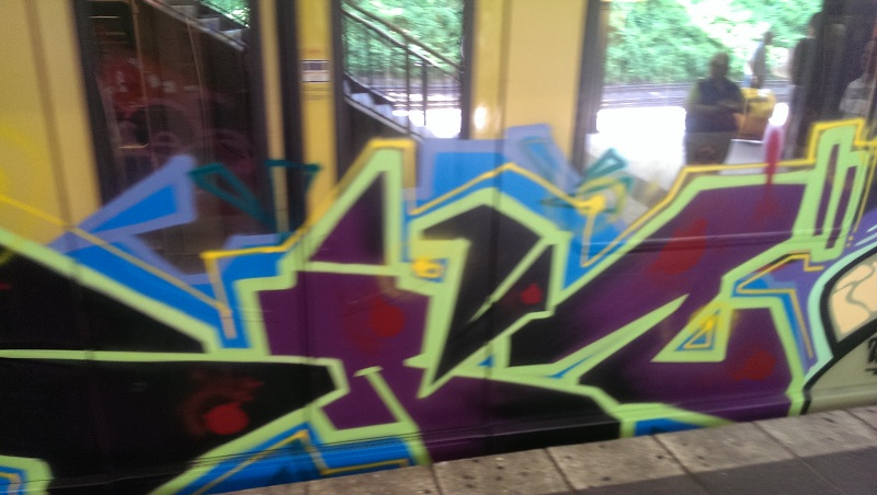 bvg-graffiti-berlin-19