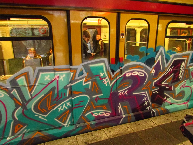 bvg-graffiti-berlin-29