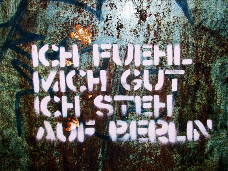 kastanienallee-berlin-streetart