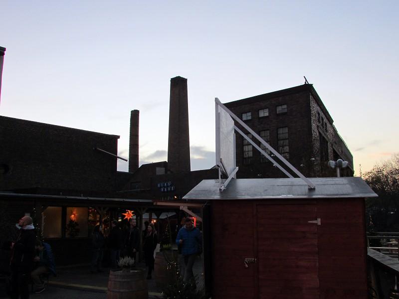 winterdorf-badeschiff-10