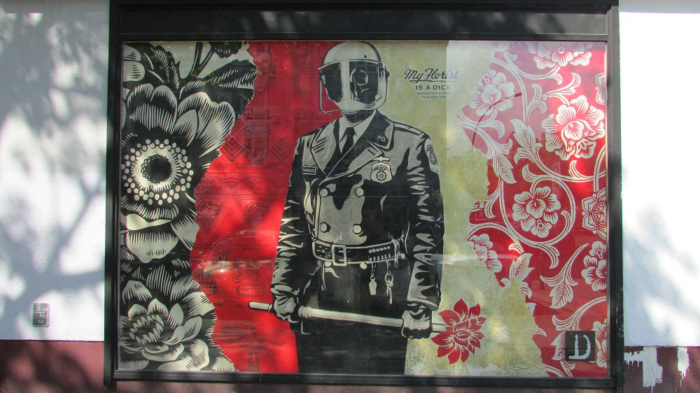street-art-museum-berlin3333