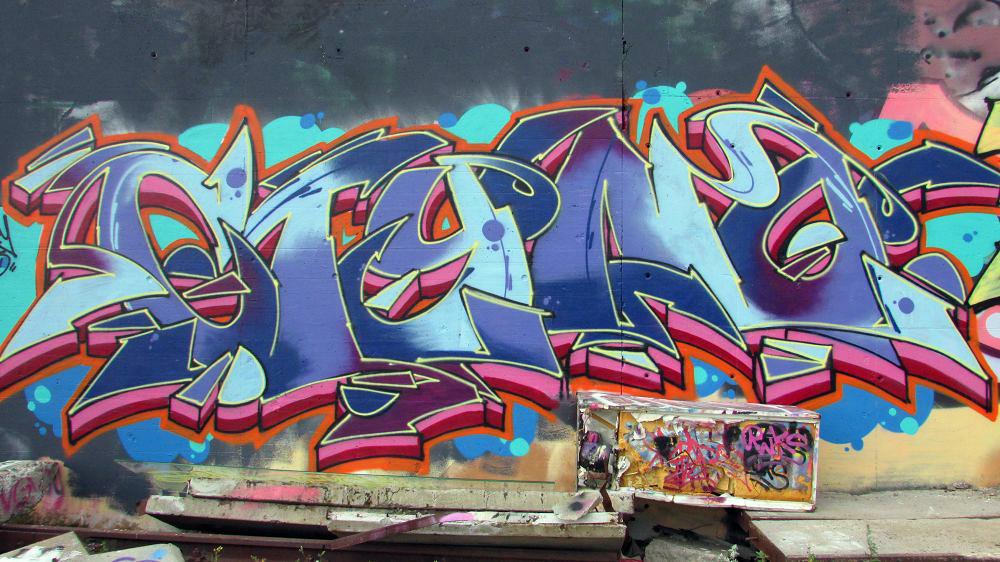 graffiti-berlin-stralauer-allee-15