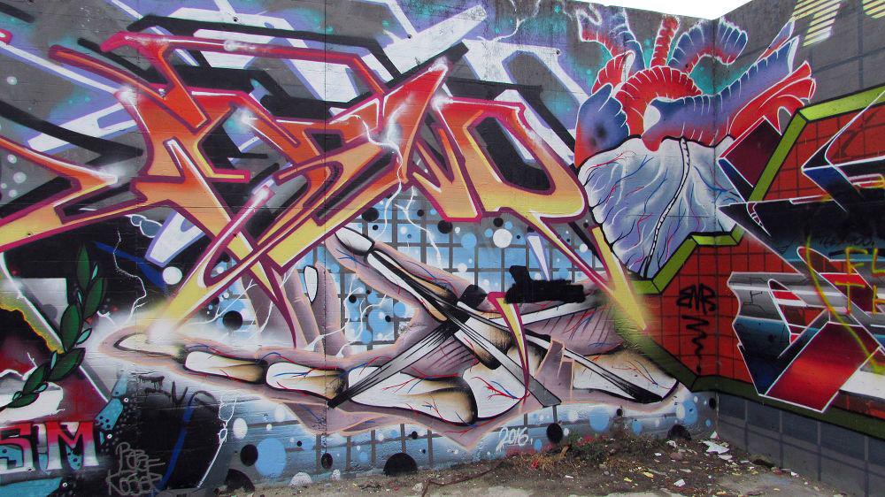 graffiti-berlin-stralauer-allee-9