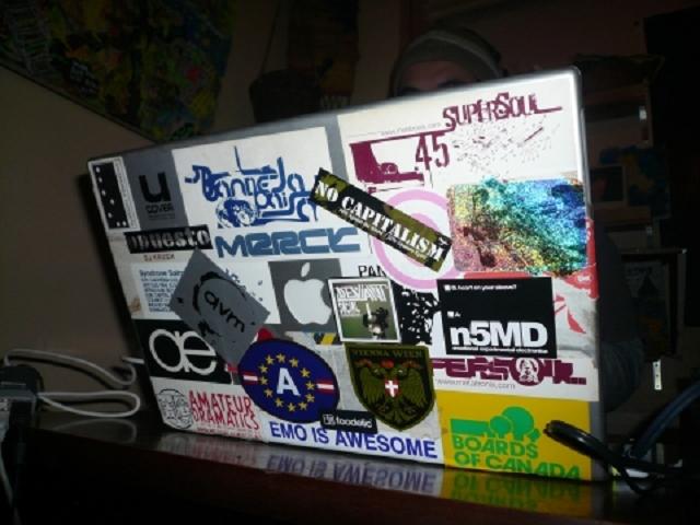 ontai-beklebtes-laptop9